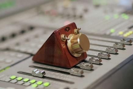 Now on Kickstarter nOb – One knob controls it all