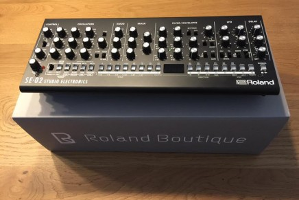 Roland SE-02 Studio Electronics analog monophonic synthesizer – Gearjunkies review