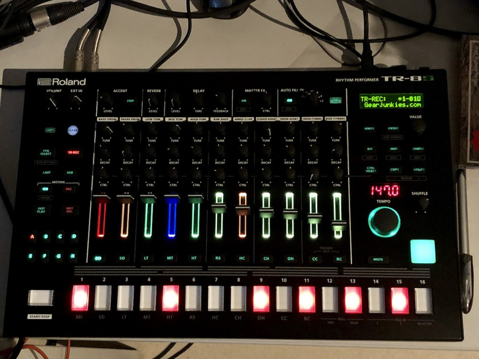 Roland TR-8S Rhythm Performer - Gearjunkies review