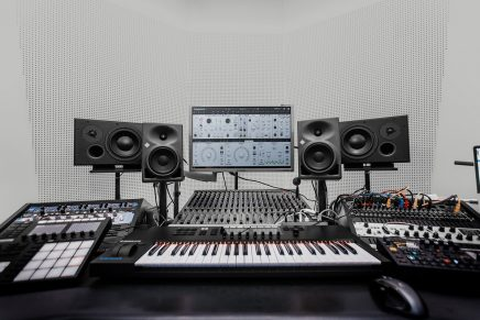 Native Instruments releases MASSIVE X software wavetable synthesizer
