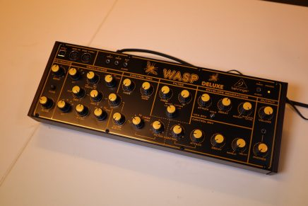Gearjunkies video – The Behringer WASP Deluxe analog synthesizer