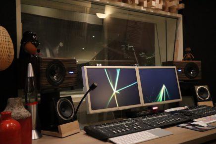 Vlog – listen to APS COAX active monitors at Studioguys