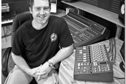 Prolific House producer Richard Earnshaw installs X-Desk