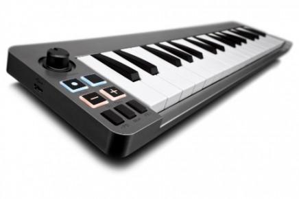 Avid Keystation Mini 32 Keyboard Controller announced