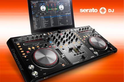 Pioneer DDJ-S1 now bundled with Serato DJ Software